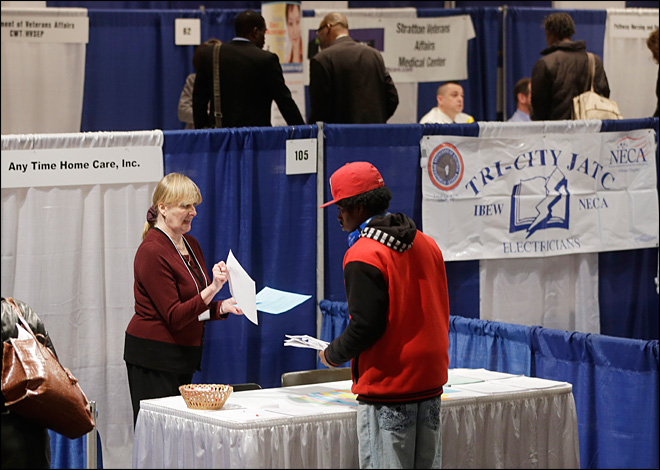 Number of Americans seeking unemployment benefits near 5-year low