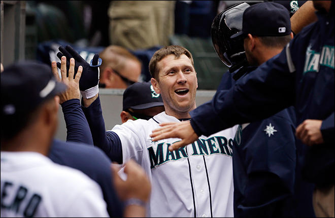 Mariners beat Angels, 2-1, take first series of year