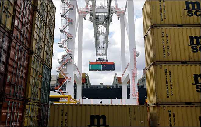 Trade deficit falls to $38.8 billion in March