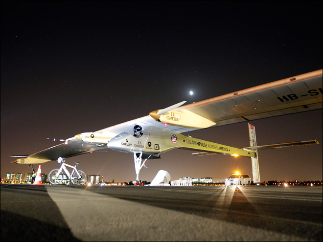 Solar plane leaves California on cross-country trip