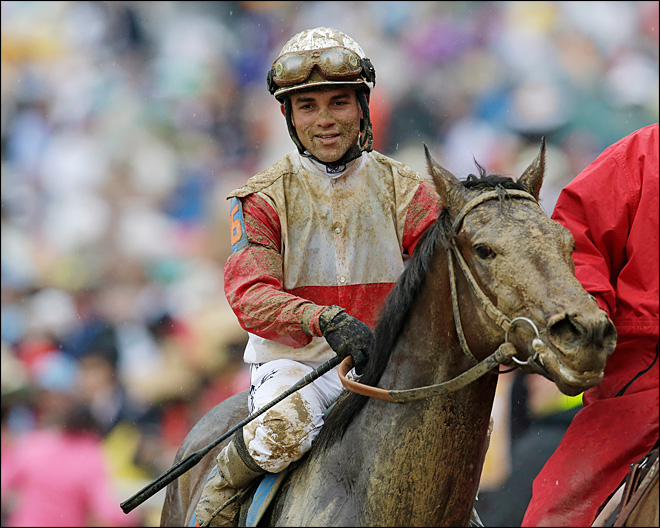 Orb comes from behind to win Kentucky Derby
