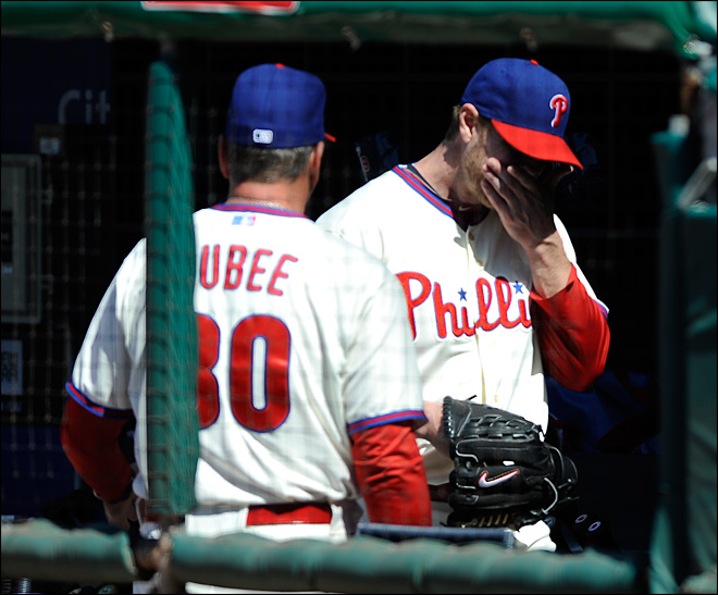 Halladay to have shoulder surgery, eyes '13 return
