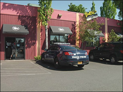 Police: Man robbed at knifepoint near second-hand store