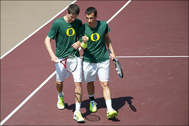 Oregon honoring Alex Rovello with 'AR' patch
