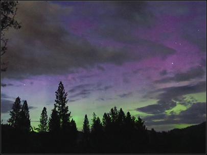 Northern Lights peek out in Eastern Washington