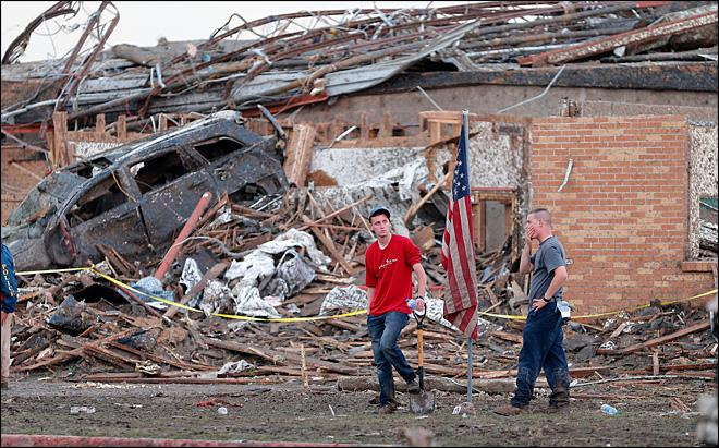 Monster tornado rips through Oklahoma suburbs