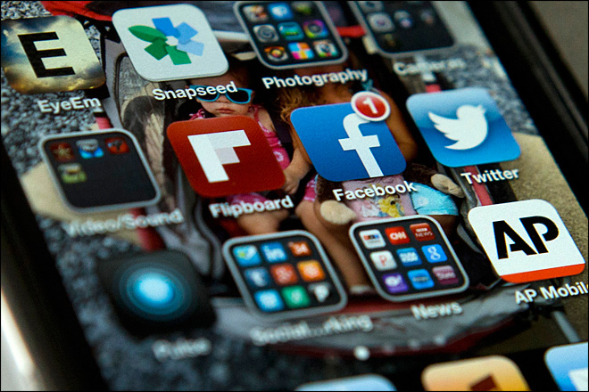 Study: Social media users shy away from opinions