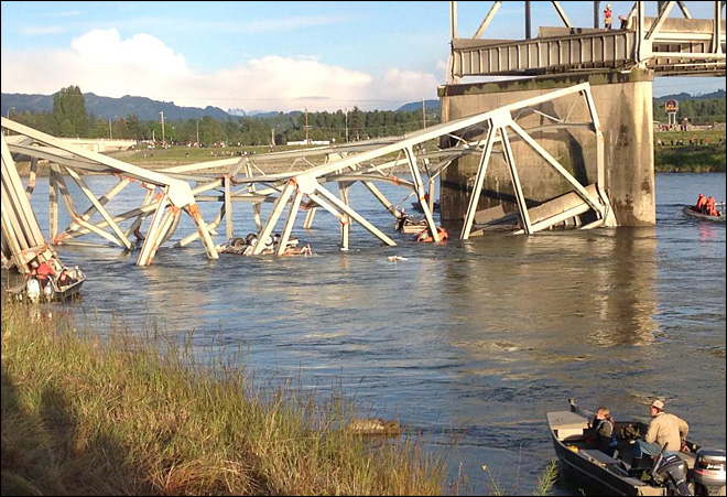 Cars, people sent tumbling into Skagit River as I-5 bridge collapses