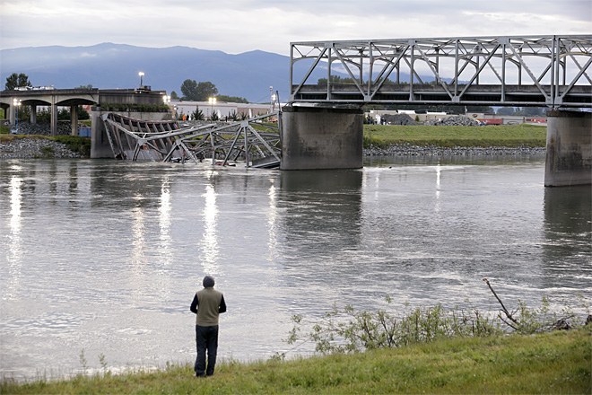 Could it happen in Oregon? Wash. bridge collapse raises questions