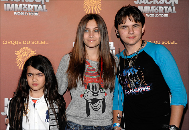 Paris Jackson now in all-too-familiar spotlight