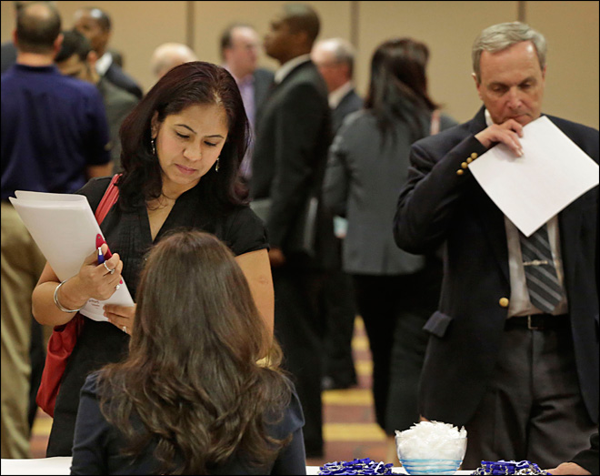 US economy adds 195K jobs; unemployment 7.6 pct.