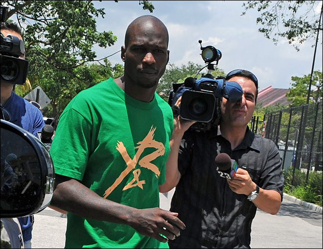 Ex-NFL star Chad Johnson slaps lawyer's backside, goes to  jail
