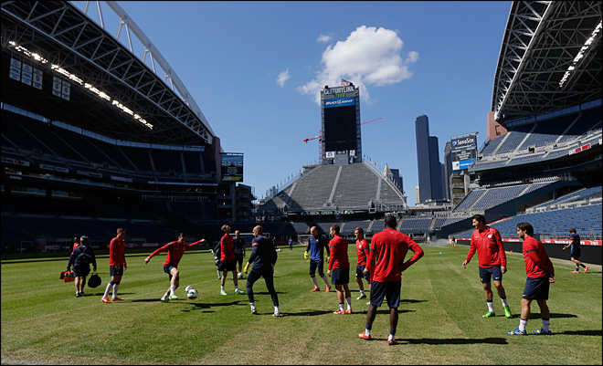 U.S. readies to face Panama in Seattle... on natural grass