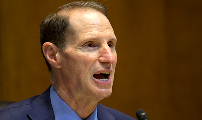 Wyden calls out national intelligence director for answer on spying
