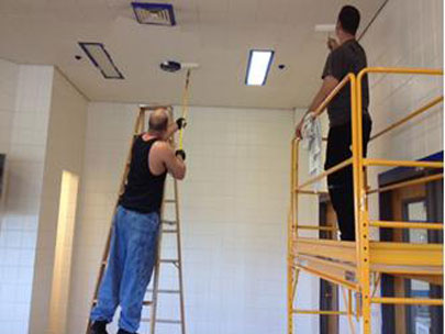 Sheriff puts inmates to work getting jail beds ready to open