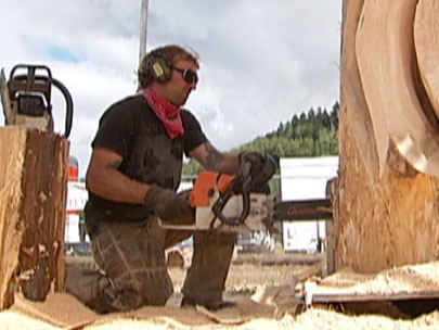 Chainsaw sculptors in Reedsport this weekend