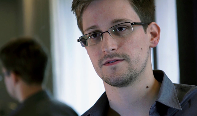 Snowden: NSA's indiscriminate spying is 'collapsing'