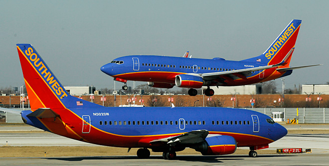 Southwest to add routes to NY, 14 other cities