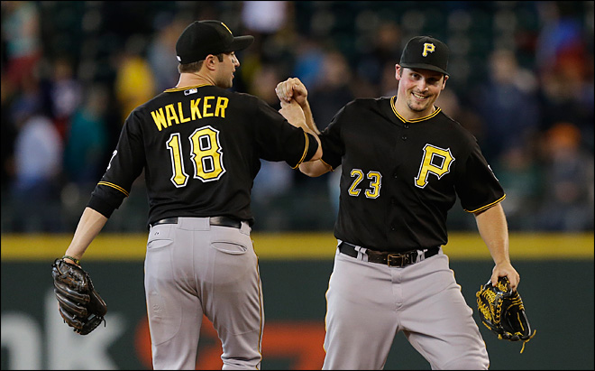 Sizzling hot Pirates beat Mariners 4-2