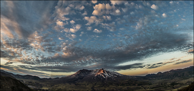 Mount St. Helens shows off for Mother Nature