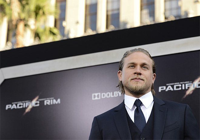 Charlie Hunnam departs 'Fifty Shades of Grey' film