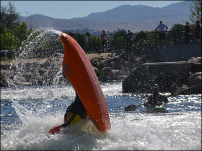 Kayak champs test out Boise River Park