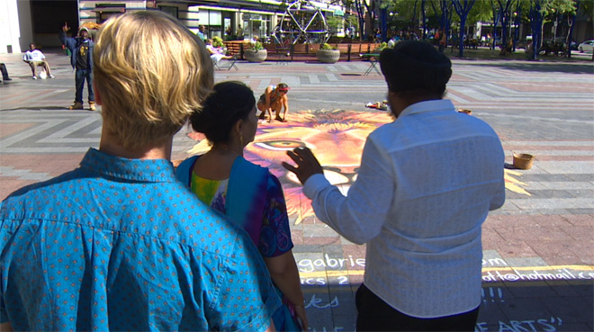 Artist's giant chalk lion amazes Westlake crowd