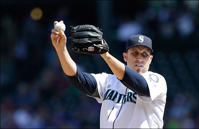 Mariners rally past Jays, spoil Happ's return