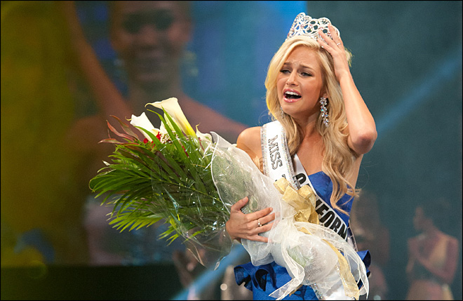 FBI probes nude photo extortion of Miss Teen USA