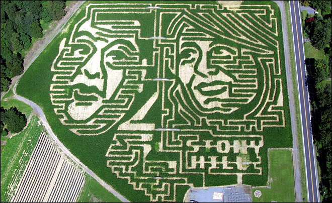 New Jersey farmer gets political with corn maze