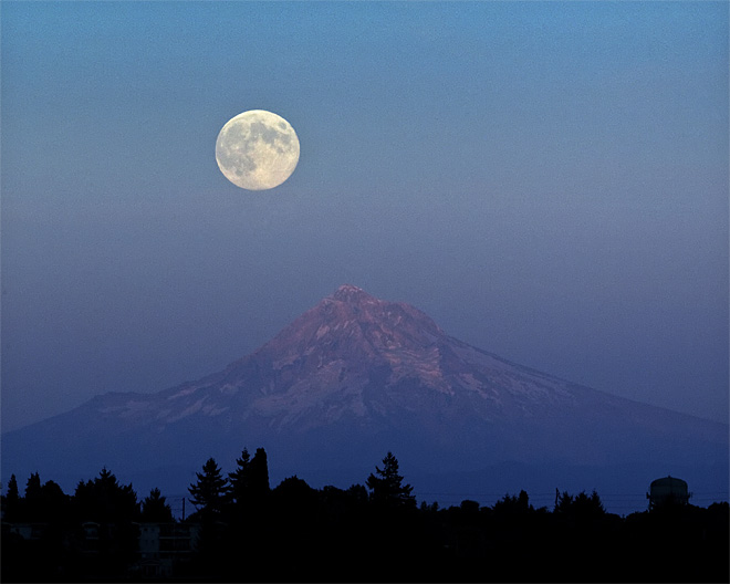 Oregon Full Moon