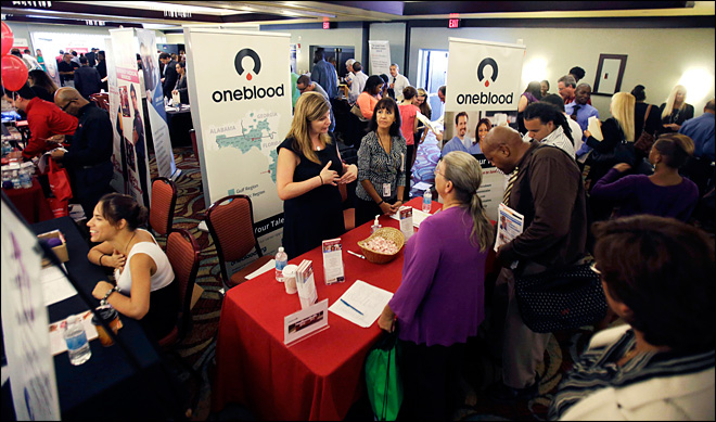 U.S. unemployment aid applications rise to 336,000