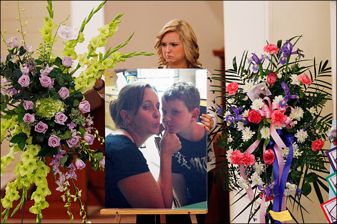 Hannah Anderson's mom, brother remembered at service