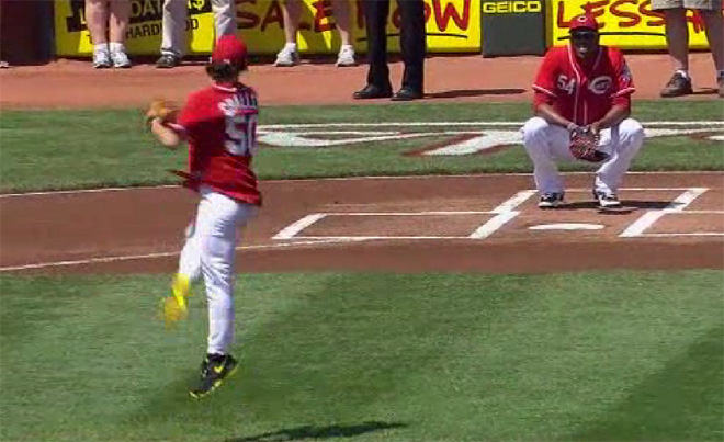 Baseball and ballet collide on first pitch at Reds game