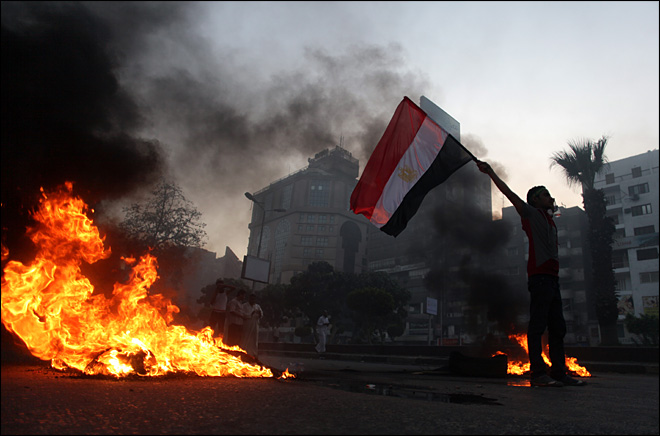 Amid crackdown, Egypt's protesters shift tactics
