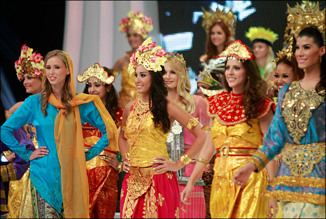 Miss World opens in Indonesia despite protests