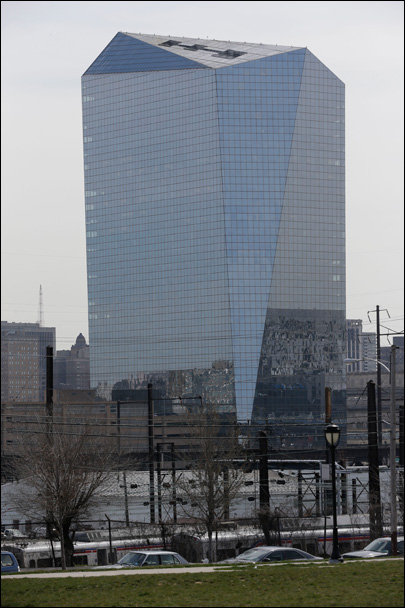 Pong played on Philly skyscraper nets world record