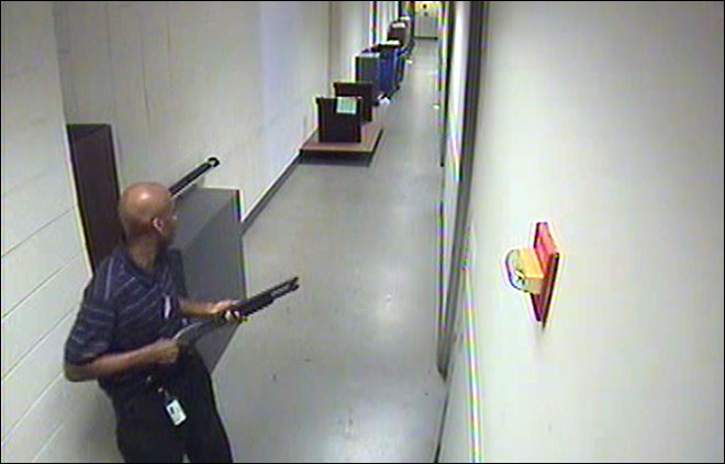 FBI releases video, says Navy Yard shooter didn't target victims