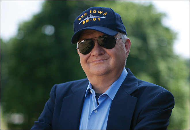 Best-selling author Tom Clancy dead at 66