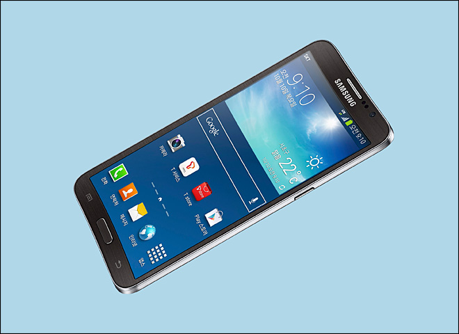 Samsung to debut smartphone with curved display