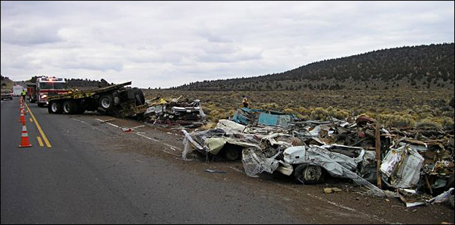 Deadly semi-truck crash blocks Hwy 20 east of Bend