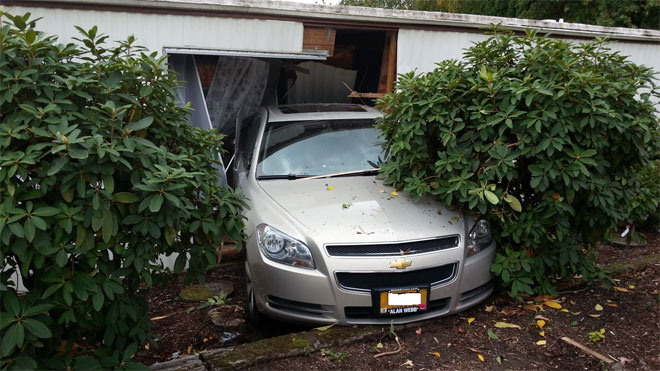 93-year-old says despite crashing into two homes, he will still drive