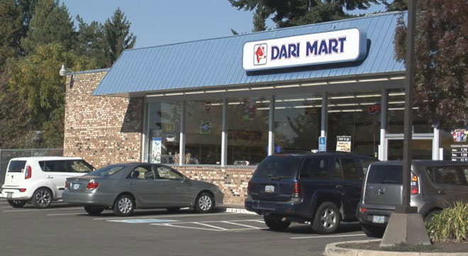 Man leaves infant at Dari Mart