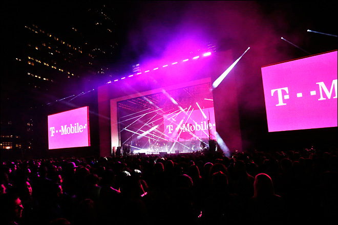 T-Mobile to offer free data service for tablets