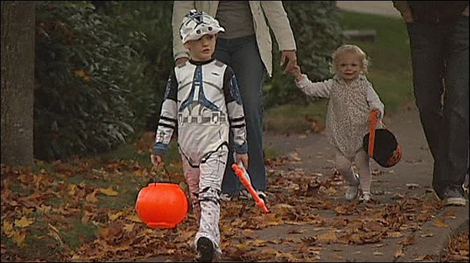 Tech-savvy trick-or-treaters: 'It makes everything easier'
