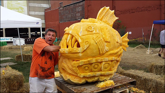 Extreme NW carver creates spooky, spectacular pumpkins