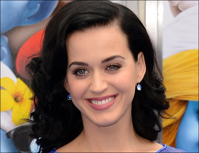 Katy Perry says Mick Jagger hit on her at age 18; he denies it