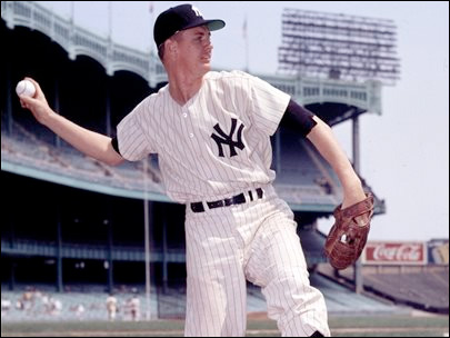 Former Yankees pitcher Kucks dies