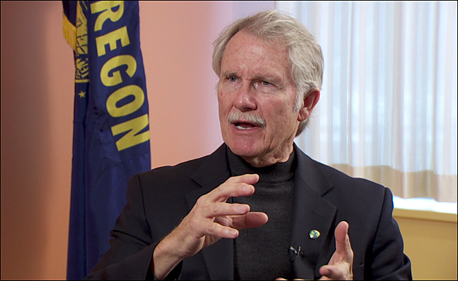 Kitzhaber's art of compromise getting national attention
