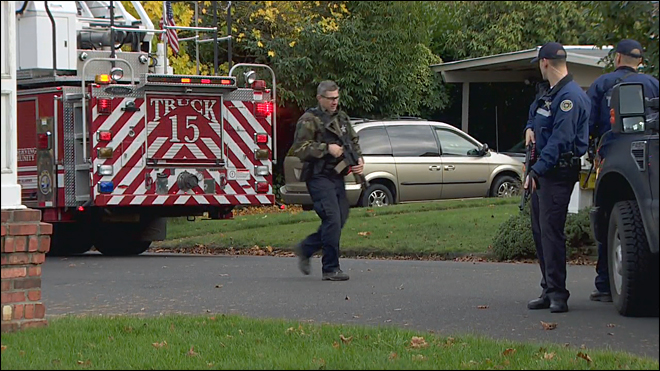 Officer shot at scene of Oregon City house fire; suspect dead